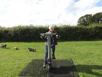 Kingston Field Gym Equipment 23.09.15 3